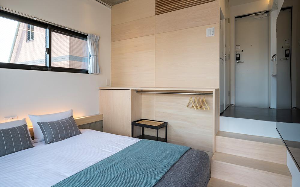 dots. tokyoのクイーンルームのベッド